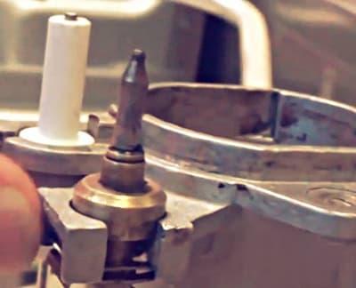 Температурный датчик и свеча газовой конфорки