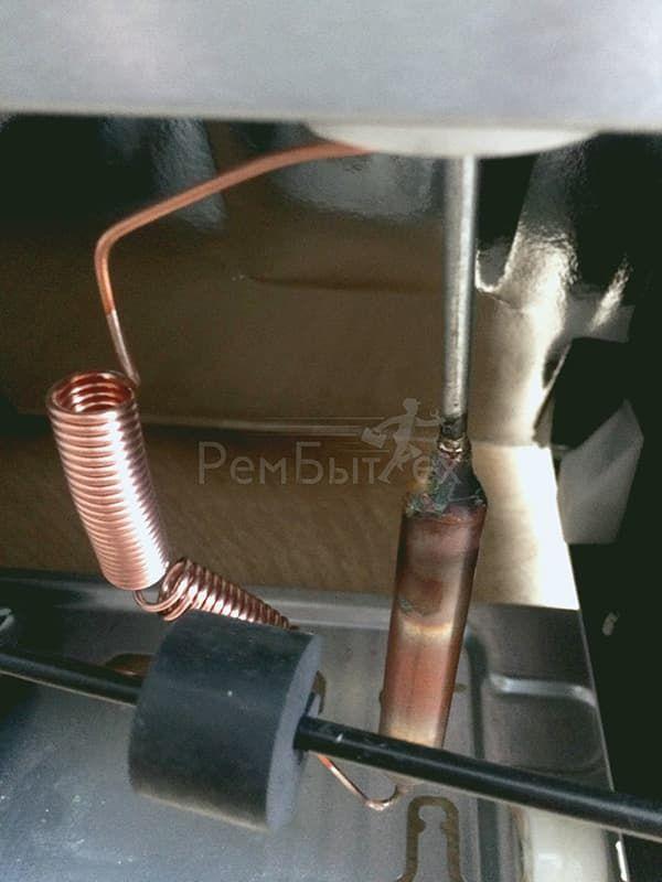 Засор капиллярной трубки в холодильнике Индезит
