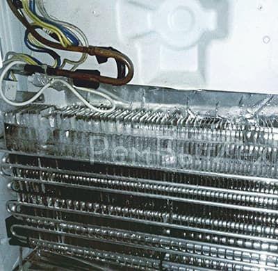 Лед на испарителе холодильника No Frost