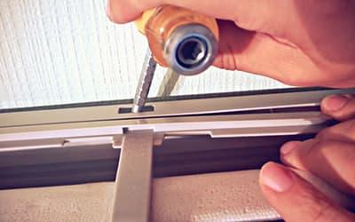 Снимаем корпус внутреннего блока сплит-системы