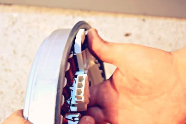 Стиральная машинка LG с прямым приводом: колодка мотора и датчик Холла