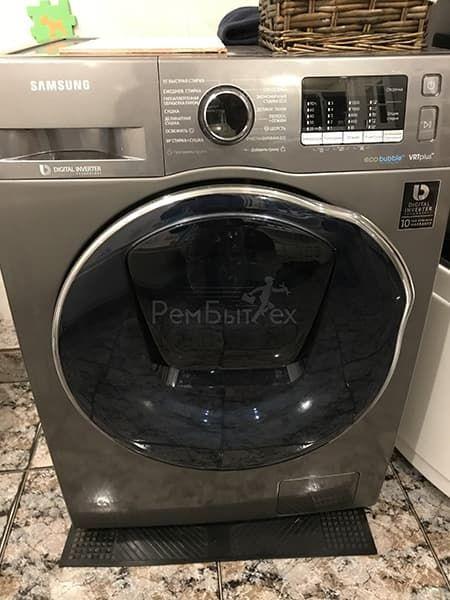 Стиральная машина Samsung не отжимает бельё