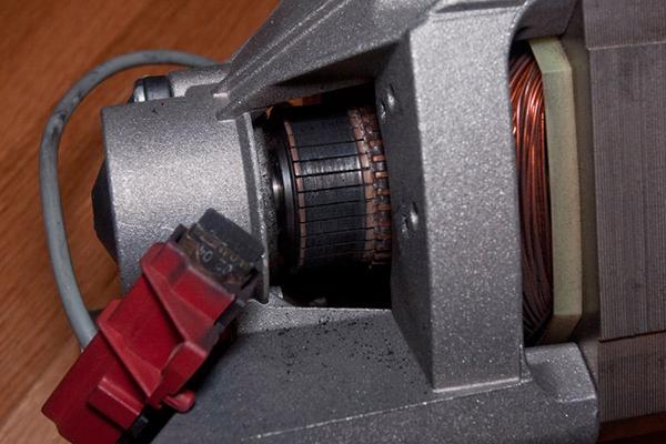 Замена щеток мотора в стиральной машине Вестел