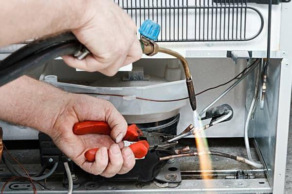 Замена мотор-компрессора холодильника Аристон