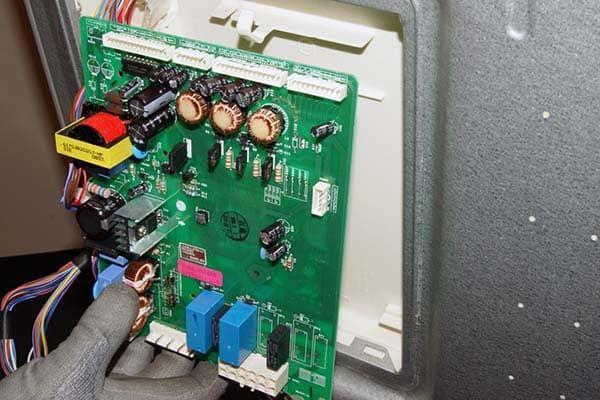 Модуль управления холодильника