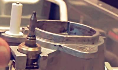 Датчик пламени и свеча горелки элетроподжига газовой плиты