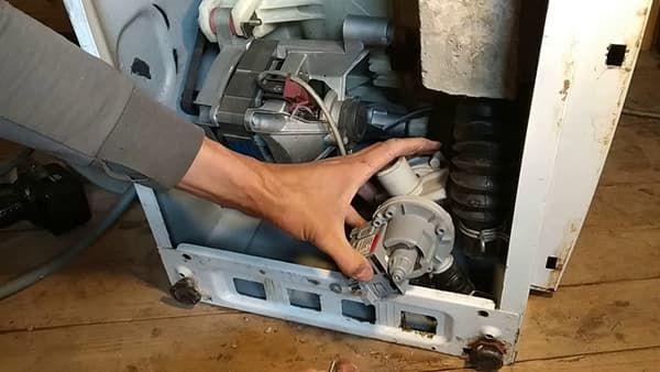 Замена сливной помпы в стиральной машине Ардо
