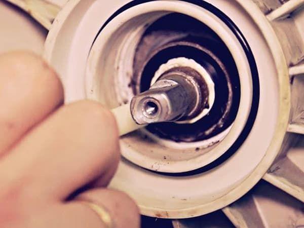 Замена подшипников в стиральной машине БОШ