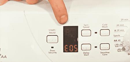 Горит код E05 на стиральной машине Канди