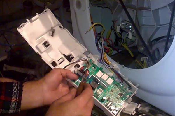 Ремонт модуля управления стиральной машины Electrolux