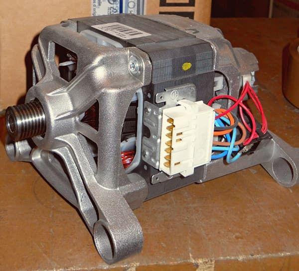 Коллекторный мотор