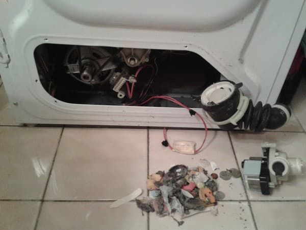 Засор сливного патрубка в стиральной машине LG