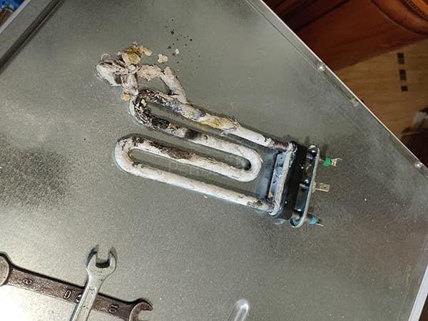 Сгорел ТЭН в стиральной машине Занусси