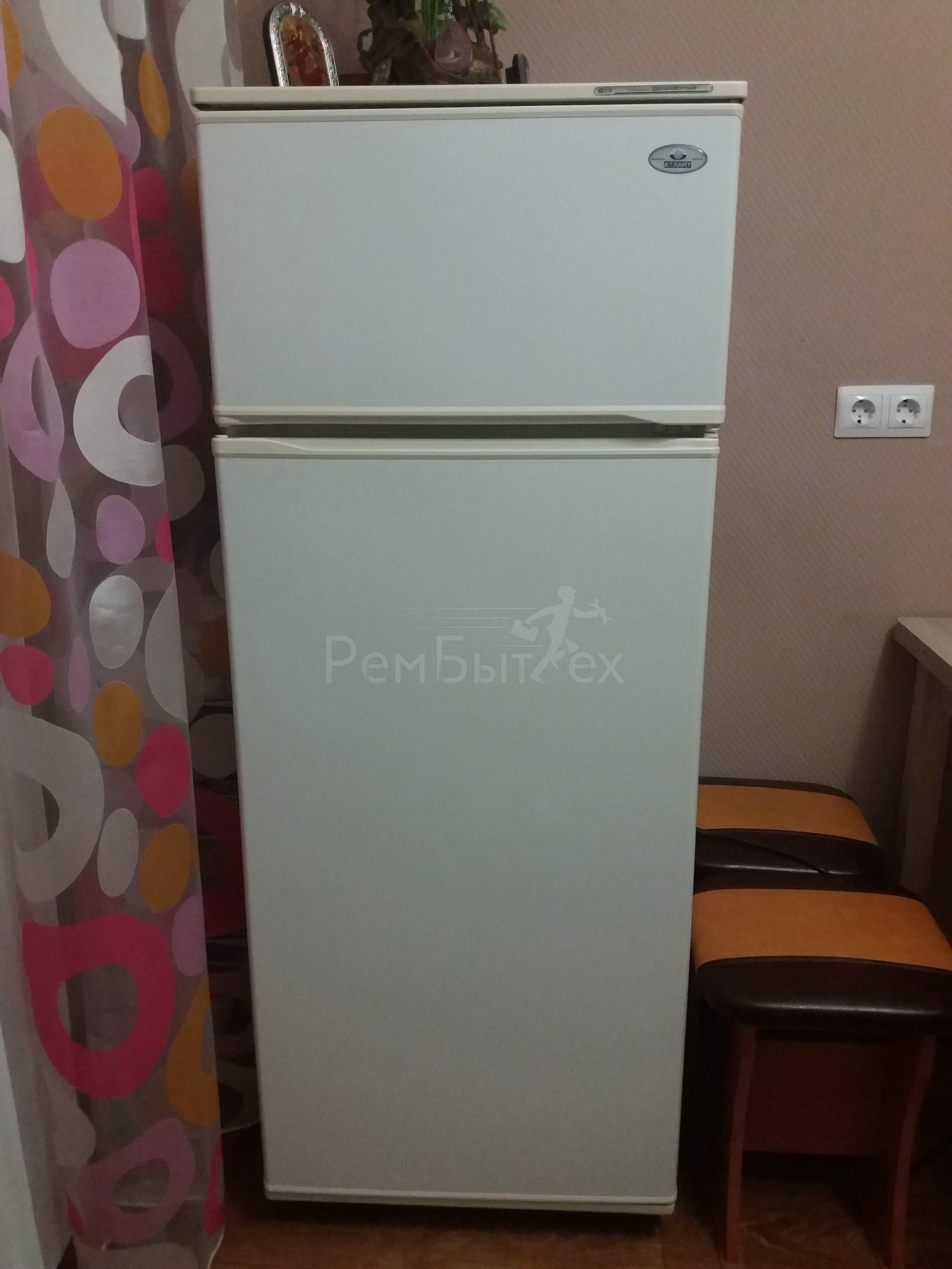 Замена пускозащитного реле и датчика температуры в холодильнике