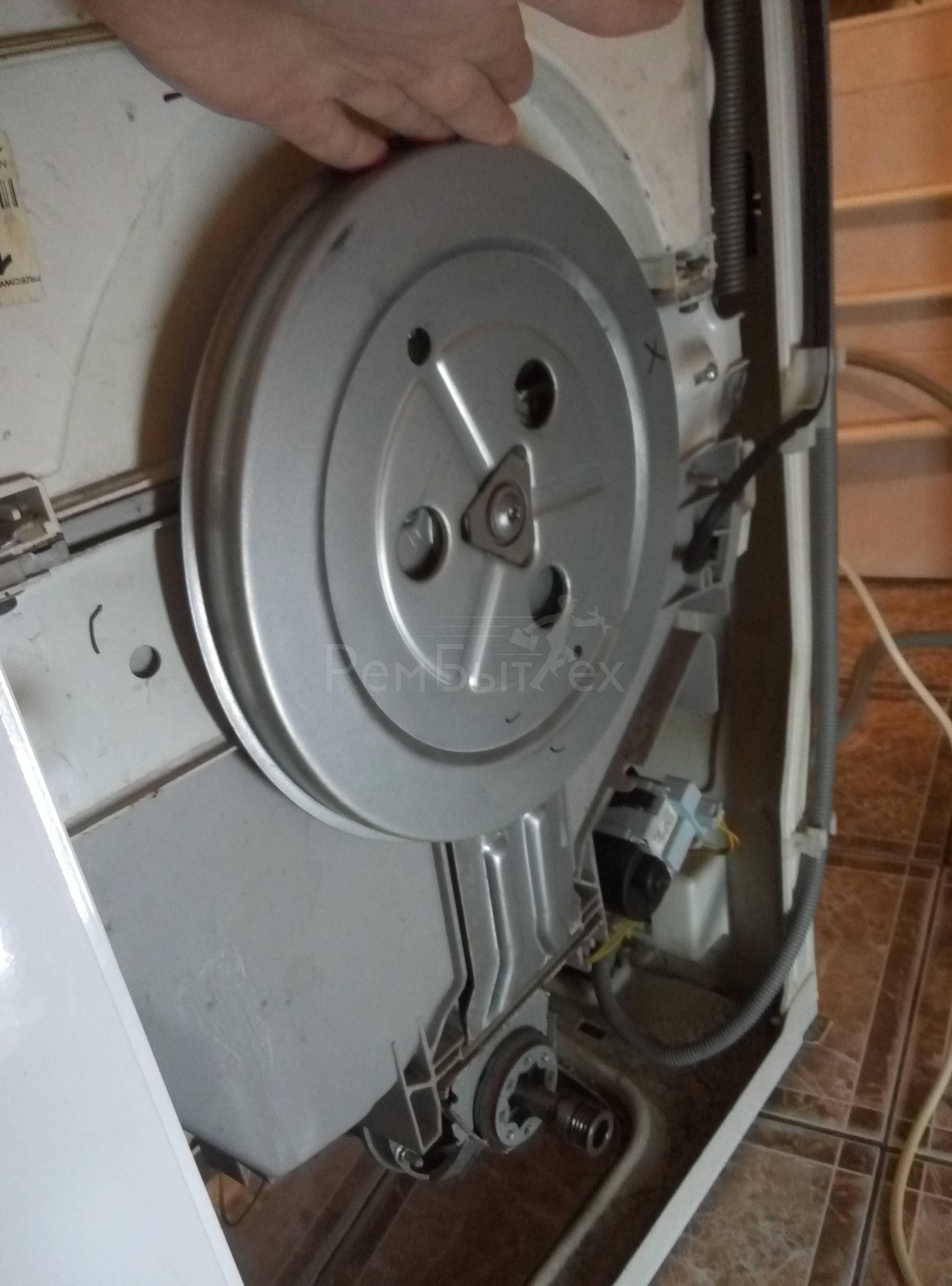 стиральная не крутит барабан