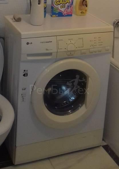 15 причин, почему стиральная машина не отжимает белье | РемБытТех